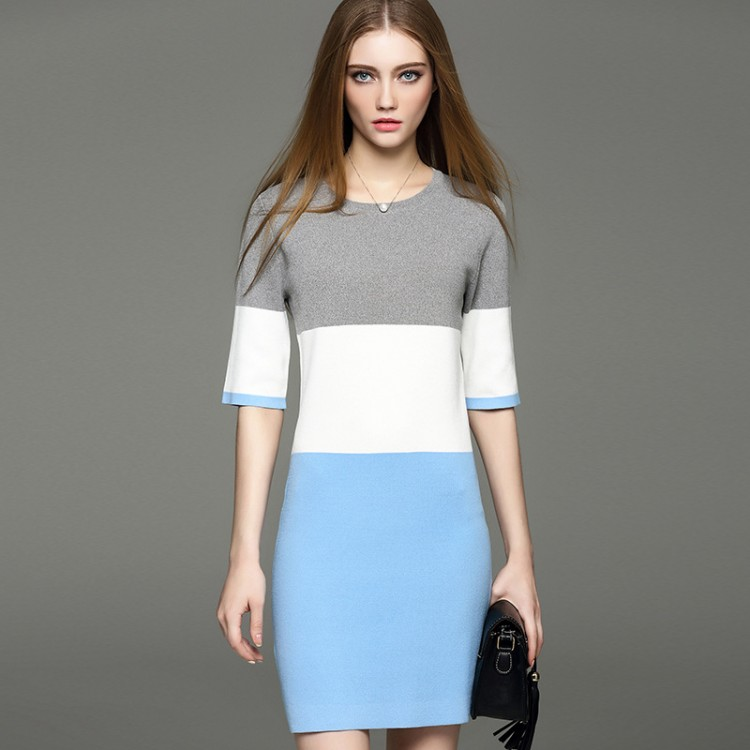 Mixed Color Slimming Round Collar Knit Dress