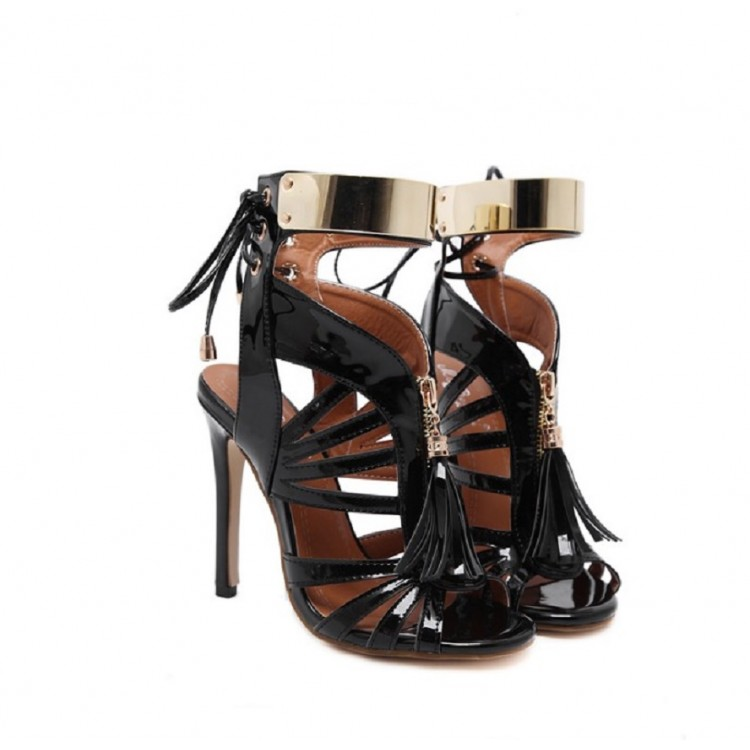 T-type stap rivets stiletto sandals